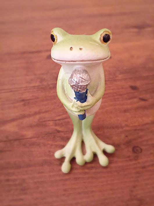 カエルマイク1