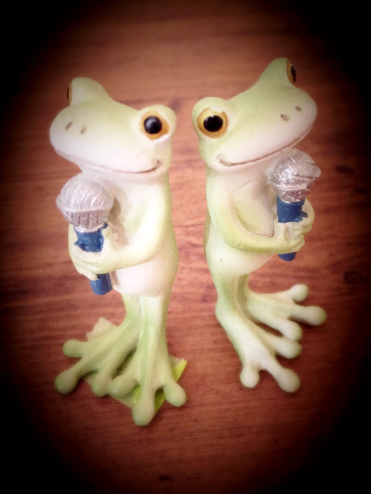 カエルマイク2