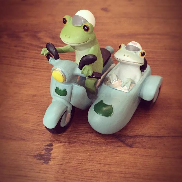カエルサイドカー